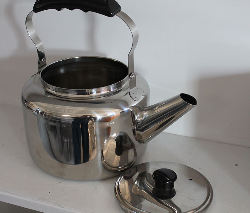 Old Fashioned Tea Kettles Water Kettle 5 1 4 And 7 Qt Sizes