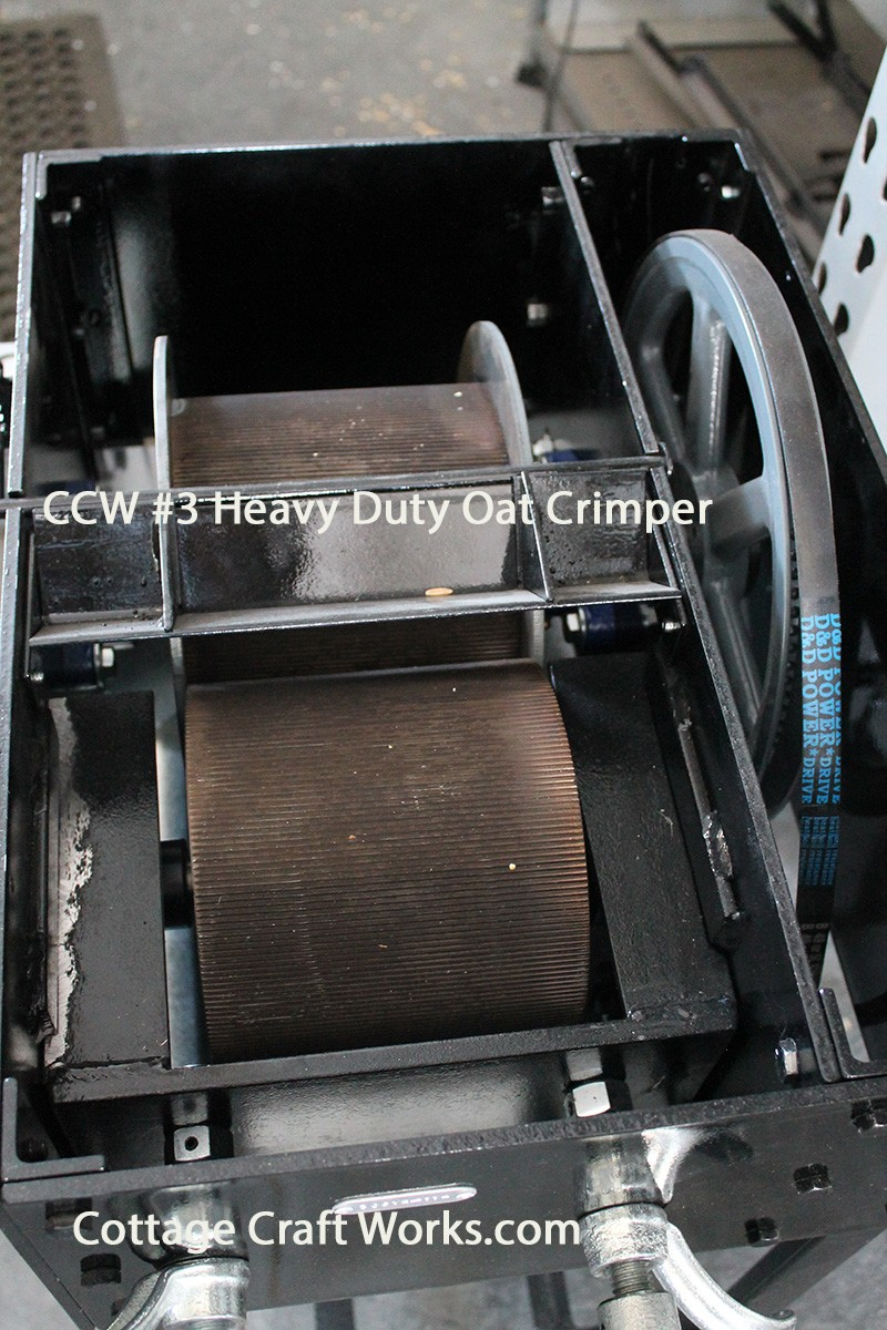 equine oat roller mill crimps up to 50 lbs of oats in