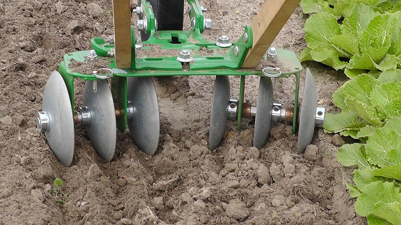 Hoss Wheel Hoe Push Cultivator Disk Harrow