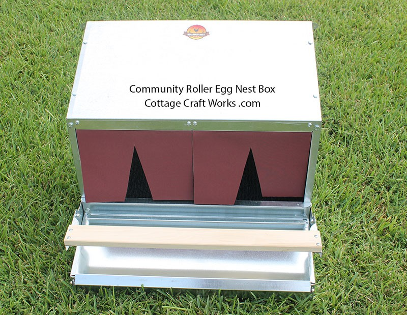 Rollaway Egg Nest Box With Flaps