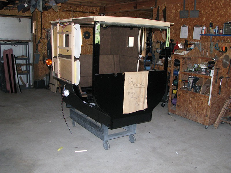 Amish buggy back to basis buggies wagons horse and for Amish home construction