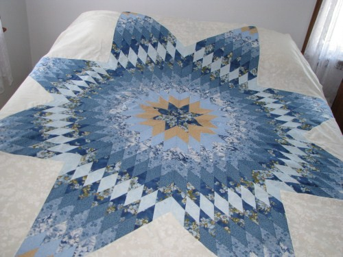 Amish Hand Stitched Custom Quilt Eight Point Star Pattern