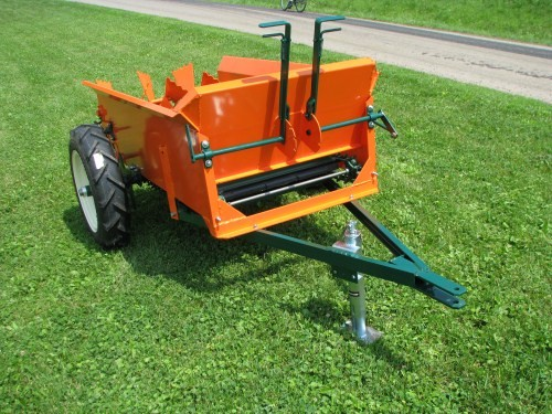 Compact Manure Spreaders 25 30 Bu Hobby Farm Spreaders