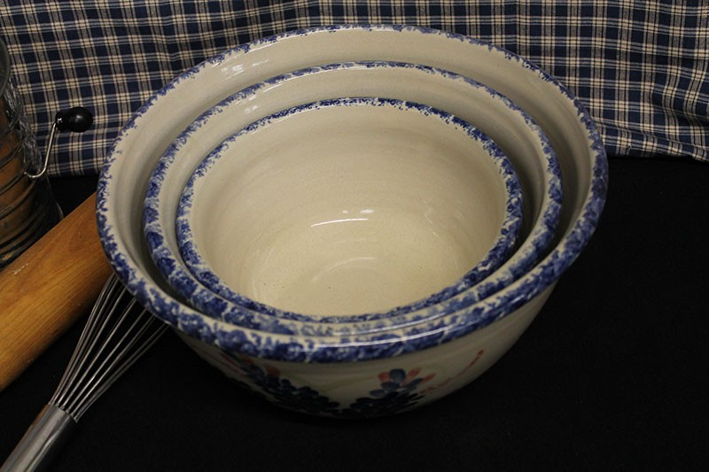 Usa Stoneware Pottery Old Fashioned Deep Bowl Set