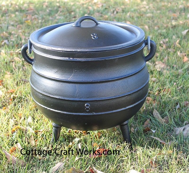 4.75 Gal Three Leg Cast Iron Kettle
