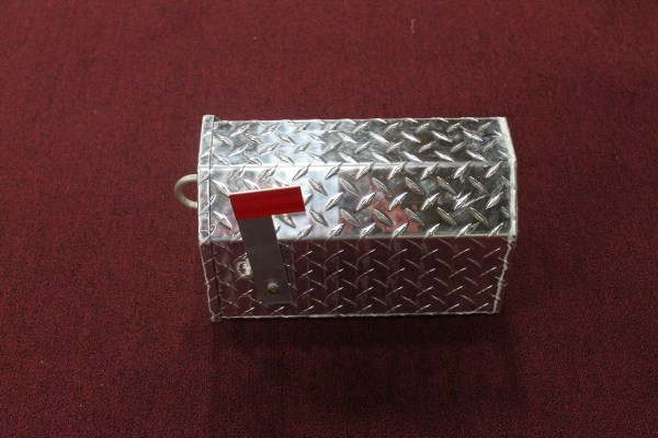 Small Aluminum Diamond Plate Mail Box