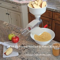 Old-Fashioned Hand Crank Food Juicer Strainer