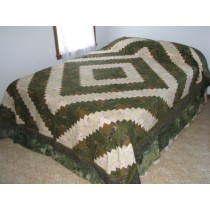 Amish Quilts | Log Cabin Quilt