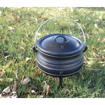 Three Leg Cast Iron Kettle-1.25 gal