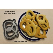 USA Soft Pretzel Cutter