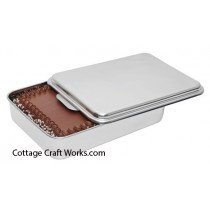 Covered Stainless Cake Pan